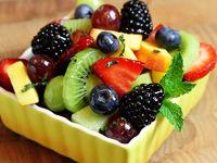 ۷ اشتباه در میوه خوردن