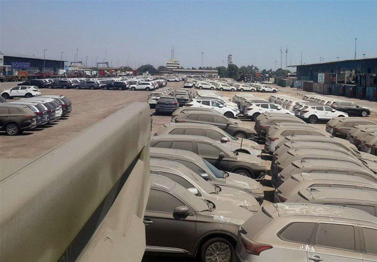 بارگیری خودروهای خاک گرفته در گمرک به مقصد نامعلوم