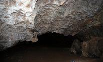 غار مزدوران در خراسان رضوی +عکس