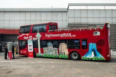 نخستین اتوبوس گردشگری بدون سقف در تهران +عکس