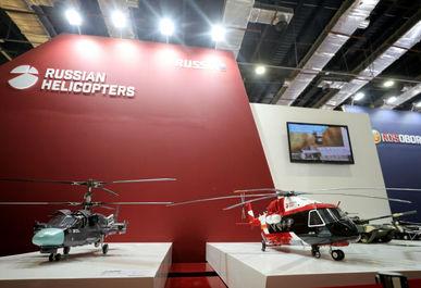 مدل بالگردها در غرفه روسیه در نمایشگاه بین المللی تسلیحات EDEX 2018 در مصر