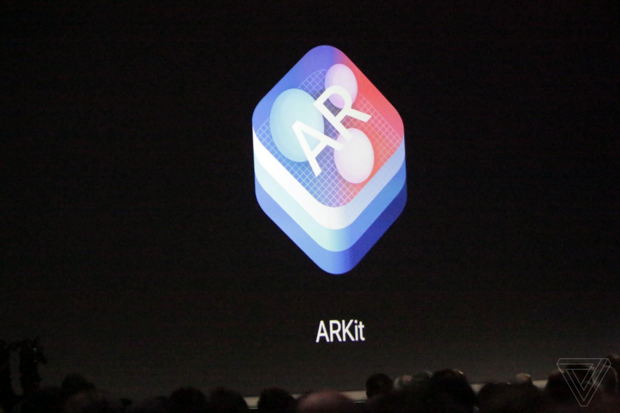 سیستم عامل آی او اس 11 اپل برای آیفون و آی پد