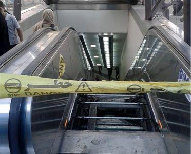 نصب پله برقی در ایستگاه شادمان