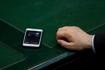 تلفن همراه نمایندگان مجلس شورای اسلامی +تصاویر