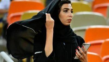 سفر کدام زنان عربستان به خارج از کشور آزاد شد؟ +فیلم