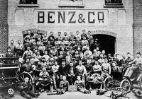 کارمندان و کارگران کمپانی مرسدس بنز در سال۱۸۹۷ +عکس