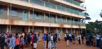 ۱۳دانش آموز در ازدحام جان باختند +عکس
