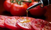 پیشگیری از بیماری های قلبی با رژیم غذایی غنی از روغن زیتون و گوجه
