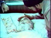 لحظه اعلام خبر فوت امام خمینی در تلویزیون +فیلم