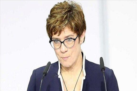 نامزد جانشینی «مرکل» استعفا کرد