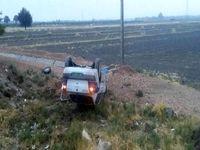 واژگونی خودرو پلیس در پی تصادف با وانت نیسان +عکس