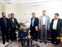 دیدار اعضای شورای ایثارگران بانک ملت با خانواده شهیدان سرافراز غضنفری