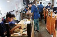 مالیات بر ارزش افزوده کارگاههای طلاسازی را تعطیل کرد/ اجرت مصنوعلات طلا چقدر است؟