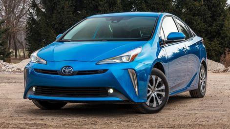 2019-Toyota-Prius-AWD-e-XLE-blue