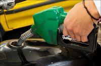 بنزین ۱۵۰۰تومانی در توان مردم نیست
