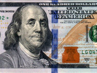 دلار در بالاترین سطح چهار ماه اخیر
