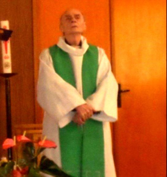 کشیشی که در فرانسه سرش بریده شد +عکس