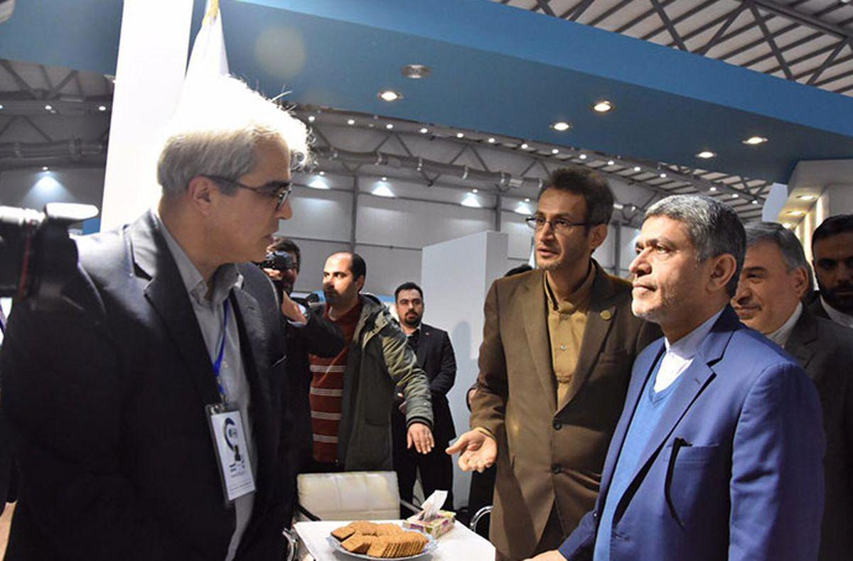 بازدید وزیر اقتصاد و استاندار البرز از غرفه بانک ملی در نمایشگاه الکامپ