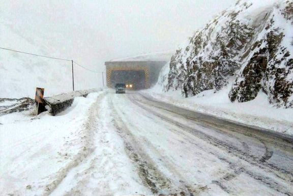 بارش برف و باران در ارتفاعات هزار و فیروزکوه ادامه دارد