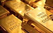 با کاهش شاخص دلار، قیمت طلا افزایش یافت/ حضور سرمایهگذاران در پناهگاه امن
