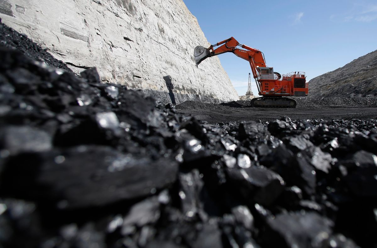 استخراج ۵/ ۱میلیون تن زغال سنگ