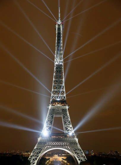 برج ایفل و دهها مکان گردشگری در فرانسه از بیم اعتراض تعطیل میشوند