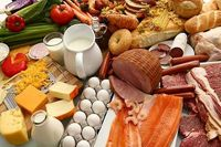 غذاهایی که مصرف می کنید چگونه بر احساس شما تاثیر می گذارد؟