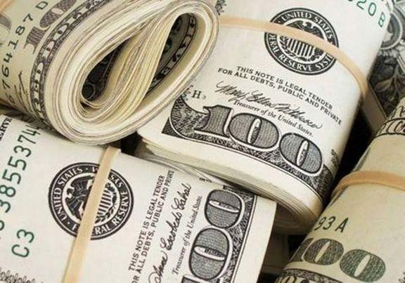 تجار درگیر تکانههای تغییر قیمت دلار