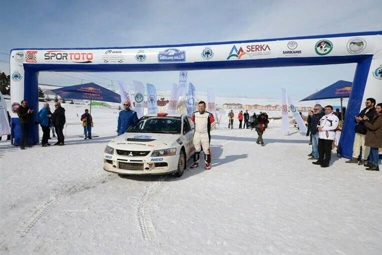 مسابقات هیجان انگیز رالی در برف