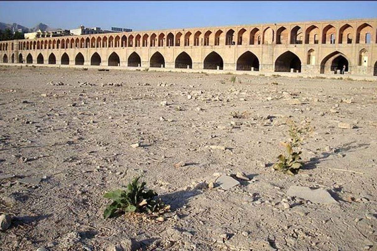 با این روند آبی، اصفهان تا ۱۰ سال آینده خالی از سکنه می شود