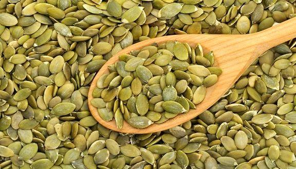 ۱۶دلیل برای مصرف دانههای کدو تنبل