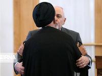 بوسه ظریف به یار دیرین امام(ره) در نشست امروز +تصاویر
