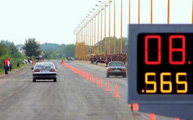 نخستین مسابقات اتومبیلرانی شتاب در منطقه آزاد انزلی