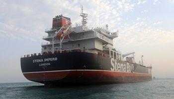 نفتکش انگلیسی پس از ۱۰هفته توقیف در ایران به دبی رسید