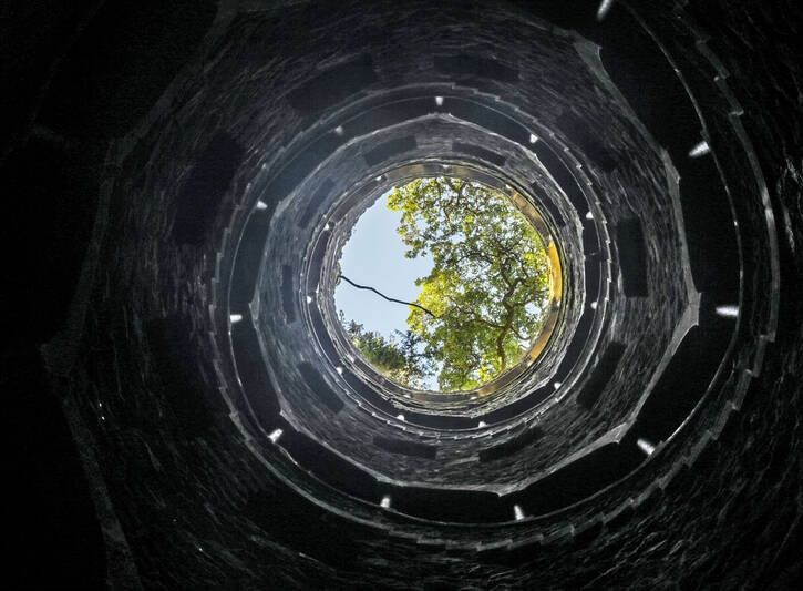 زیر زمین