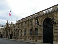 مزاحم تلفنی رییس جمهور فرانسه بازداشت شد!