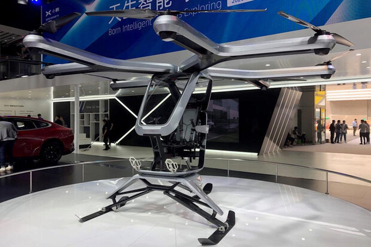 خودروساز چینی نمونه اولیه خودروی پرنده خود را رونمایی کرد