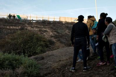 خسته از انتظار برای پناهندگی