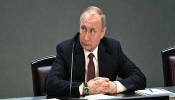 انتقاد پوتین از استفاده ابزاری آمریکا از دلار