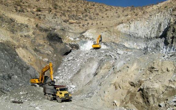 صادرات مواد معدنی کاهش یافت، واردات افزایش