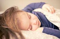 بیماری که کودکان را به خواب میبرد!