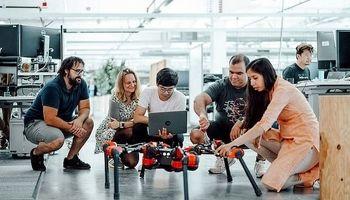 در آزمایشگاه رباتیک فیسبوک چه میگذرد؟ +عکس