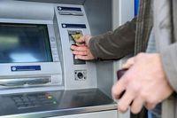 ۳میلیون خانواده فقیر ایرانی هیچ تراکنش بانکی ندارند