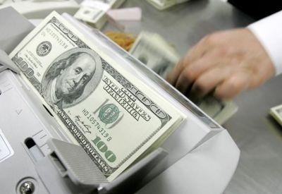 صعود خفیف دلار در بازار جهانی