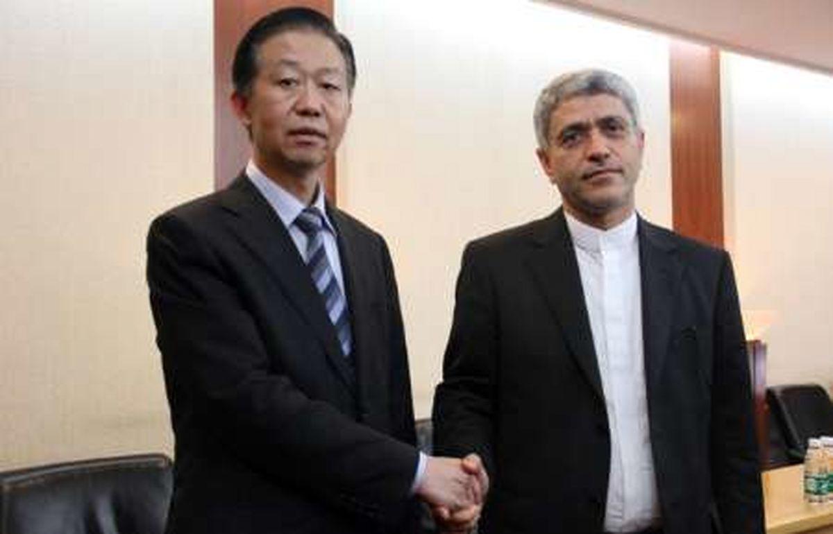 طیب نیا با وزیر دارایی چین دیدار کرد/ تاکید بر نقش ایران در طرح جاده ابریشم