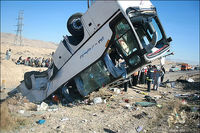 واژگونی اتوبوس راهیان نور با یک کشته و ۱۹ زخمی