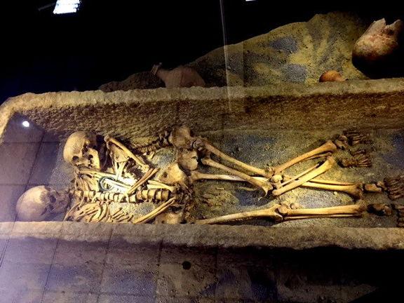 داستان زوج ۱۸۰۰ ساله +عکس