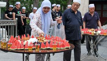 سفره افطاری در مساجد پکن +تصاویر