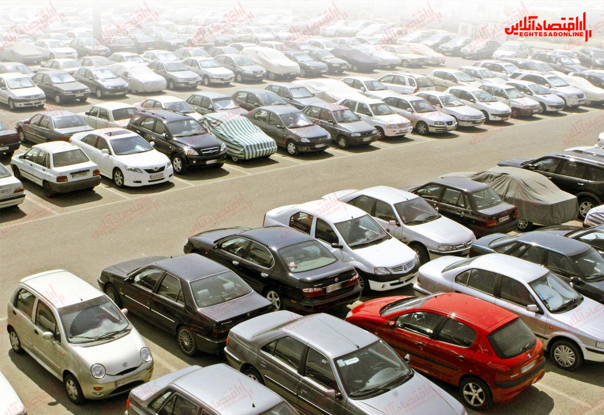 رکود در بازار بیرمق خودرو ادامه دارد
