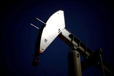 قیمت نفت جهانی بالا رفت